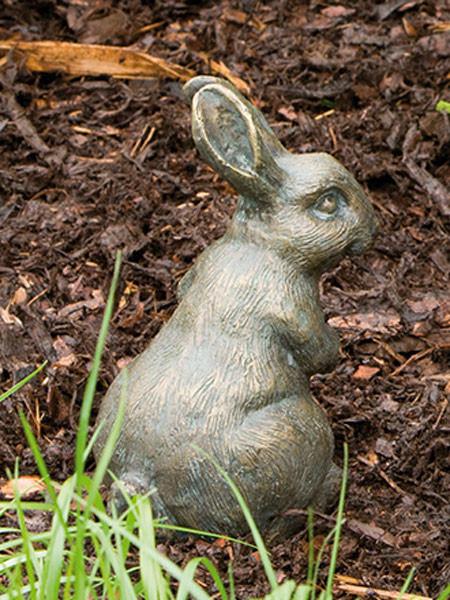 Bronzefigur Feldhase horchend (Art.Nr. 88256)