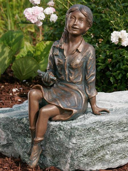Bronzefigur Emily klein (Art.Nr. 88716)