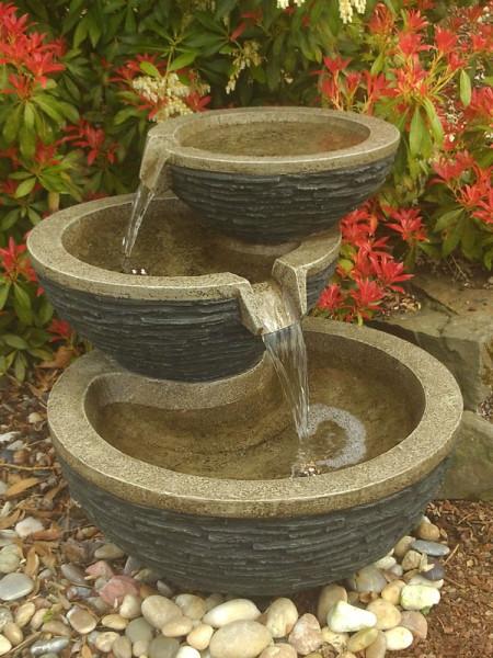 Brunnen Dano in der Dämmerung